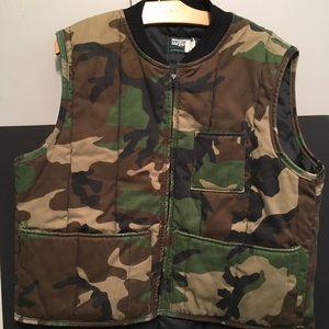 Men XL camouflage Vest